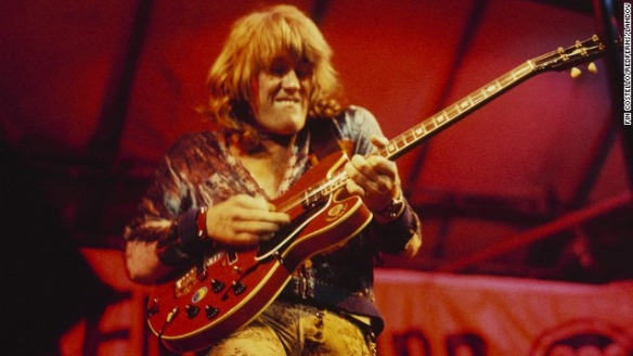 alvin-lee-playing